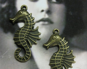 Bronze Ox Plated Sea Horse Cast Alloy Charms 2054BRZ x2