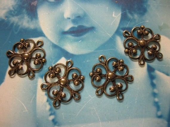 Small Filigree with 3 rings  Brass Ox Plated Connectors 3BOX x4