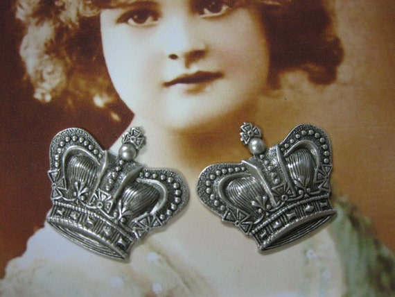 Silver Ox Plated Ornate Crown Stamping 389SOX x2