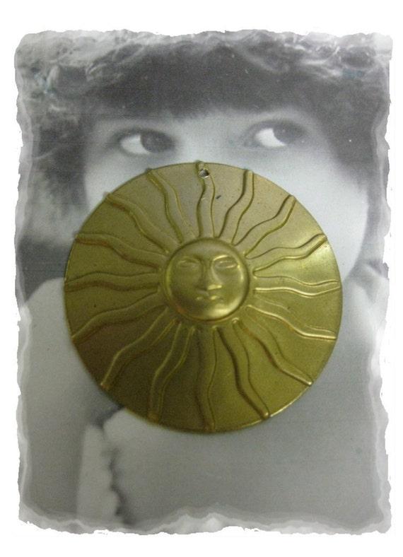 Raw Brass Large Shining Sun Pendant Charm 1010RAW x1