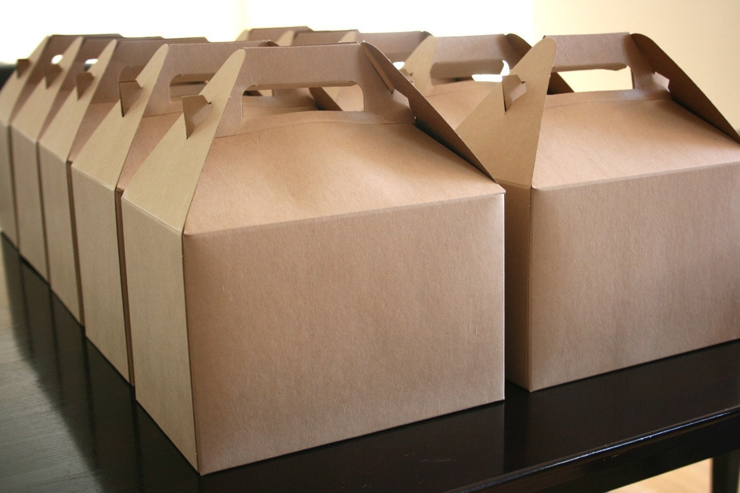 These goody boxes are perfect for filling with little party favors or wrapped candies! Great for wedding favors at your reception, simply match to your wedding colors! These can also be used for birthday parties, school events, church events and more! These treat boxes come with handles for easy.