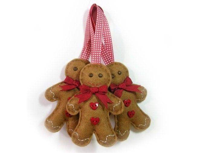 Felt gingerbread man christmas decoration for Gingerbread decorations