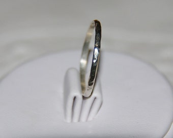 Thin silver Stackable rings - 925 sterling silver ring - solid silver ring - silver ring - Silver hammered band - Mid Finger Ring