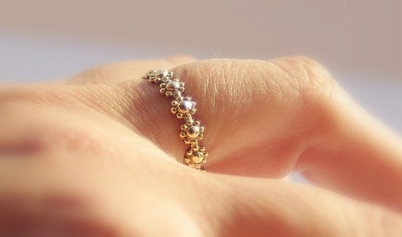 Dainty Gold Filled Daisy Flower Stacking Wedding,  Gold Engagement or Gold Bridesmaid Ring / Gold Band