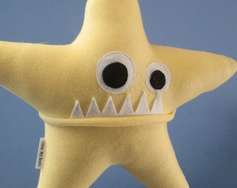 Large Starfish Fleece Plush - Light Yellow