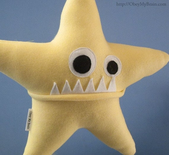 Large Starfish Fleece Plush - Light Yellow