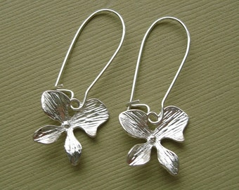 Single Orchid Flower 16K White Gold  Earrings.