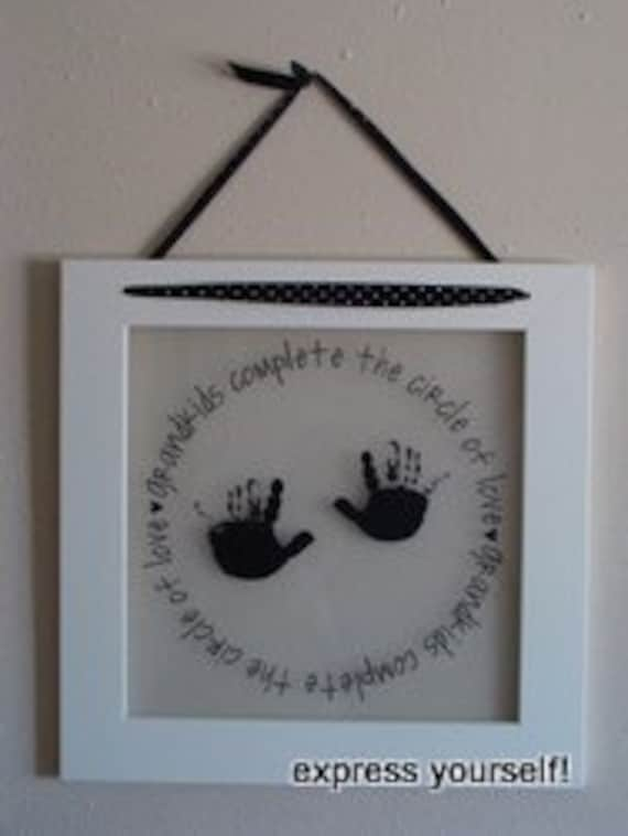 Grand kids decoration with handprints in vinyl lettering