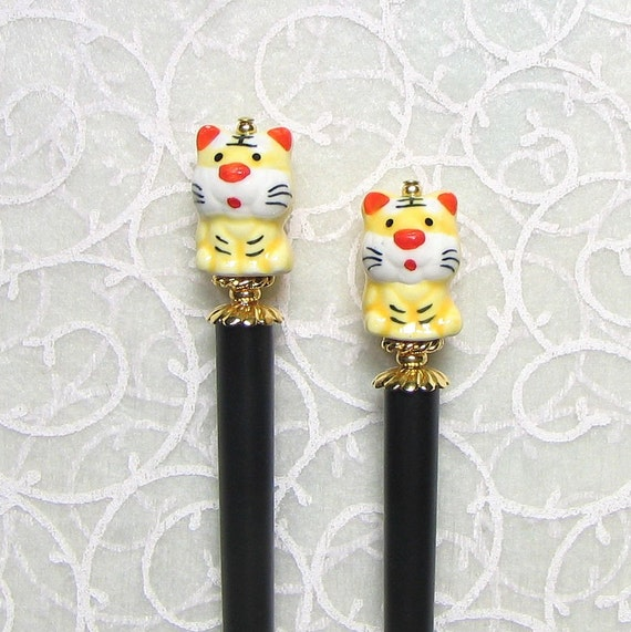 Hairstick Pair Happy Tigers Porcelain with Gold