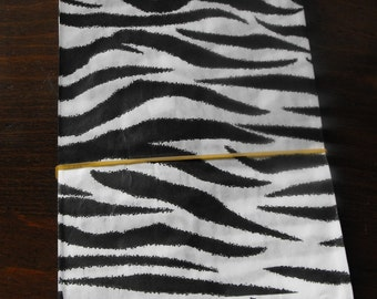 100 Pack 5 X 7 Inch Black and White Zebra or Tiger Striped Flat Paper Merchandise Bags