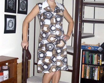 Vintage geometric pattern dress with collar - medium