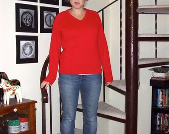 Vintage red v-neck sweater - medium