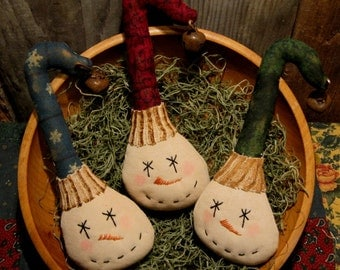 EPATTERN -- Crooked Hat Snowman Tucks Christmas Ornies Winter Bowl Filler Primitive Ornament Pattern