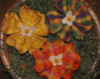 EPATTERN -- Spring Pansy Tucks Ornies Bowl Fillers