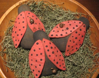 EPATTERN -- Primitive Lady Bug Tucks Ornies Bowl Fillers