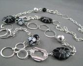 Black flower long necklace
