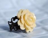vanilla almond rose. vintage brass filigree ring.