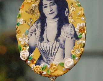 Lilygrace Vintage Circus Cameo Pendant with Vintage Rhinestones, Citrines and Freshwater Pearls