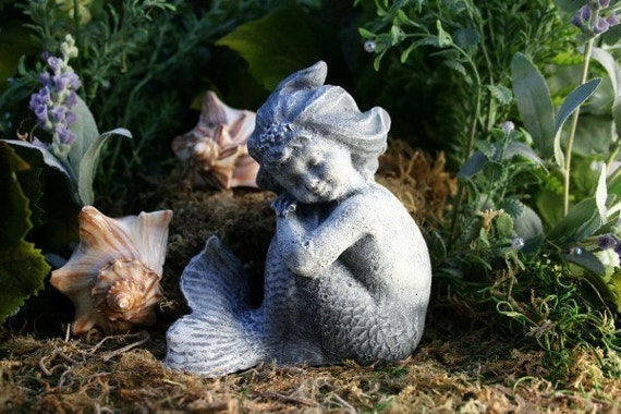 Stsatuette For Outdoor Ponds: LITTLE BABY MERMAID GARDEN SCULPTURE Concrete Pond Garden