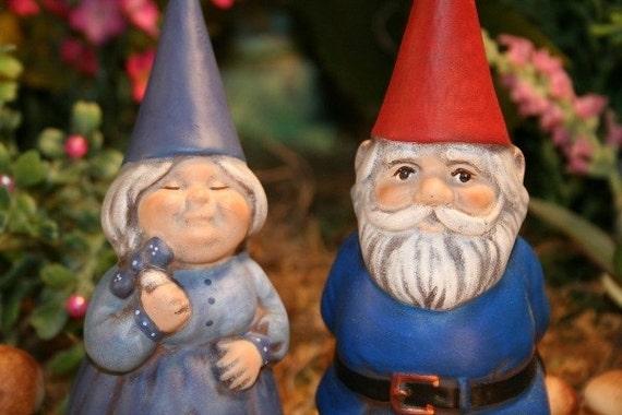 Gnome In Garden: MINIATURE GARDEN GNOME COUPLE Concrete Mr And Mrs Gnomes