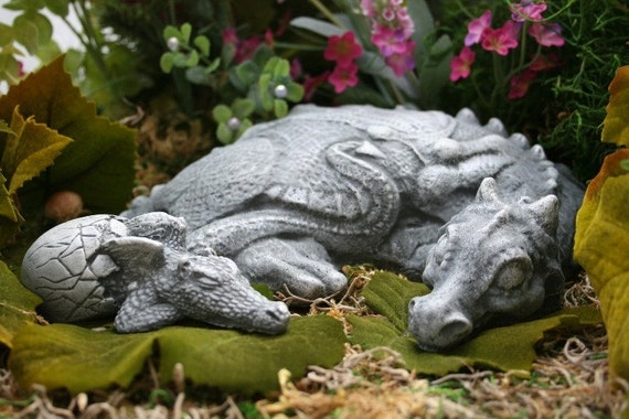 Dragon Statues Mother & Baby Dragon Two Piece Set Outdoor Garden Decorations