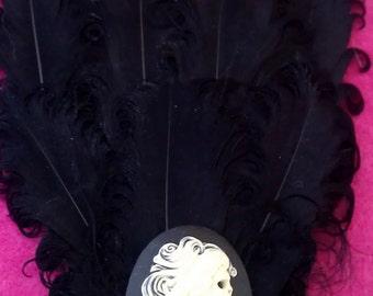 Skeleton, Skull fascinator, Skull, Skull clip, Skeleton girl, Goth, Black, Black fascinator, Black clip, Black feather, black hat clip