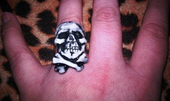 Skull Crossbones, Handmade, Pirate ring, Adjustable ring, skull ring, skull, day of the dead, ring