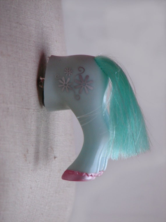 Pony Butt Brooch