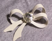 Vintage White Ribbon Brooch