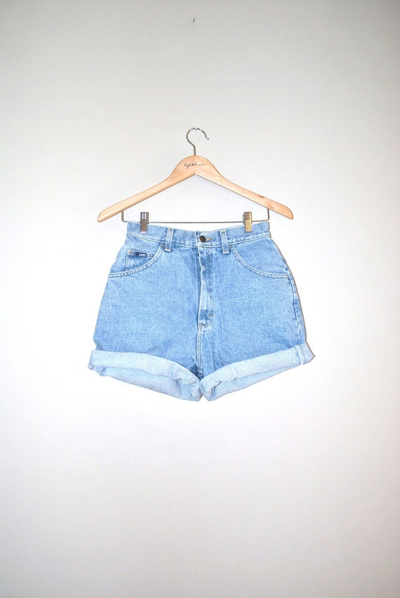 80s lee shorts // light wash denim // vintage lee denim cuff shorts