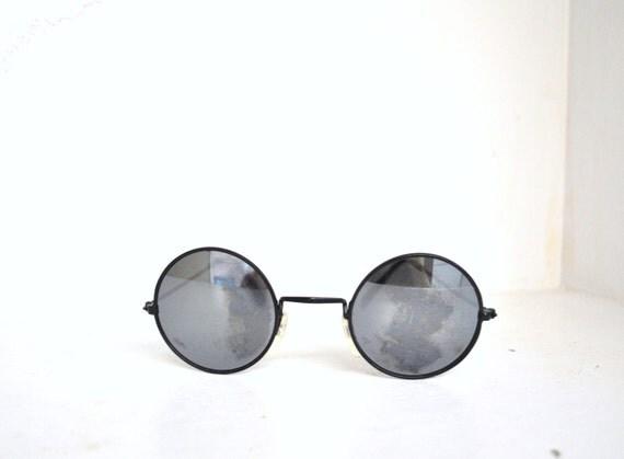 80s circle glasses // black metal frames with full spectrum lenses // vintage 1980s glasses