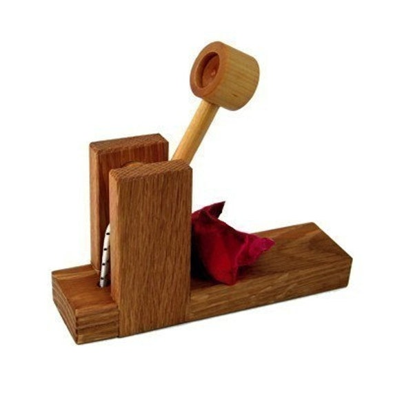 Wooden Catapult Toy - Kids Wood Toys - Natural Handmade Toys for Kids, Boy and Girls.