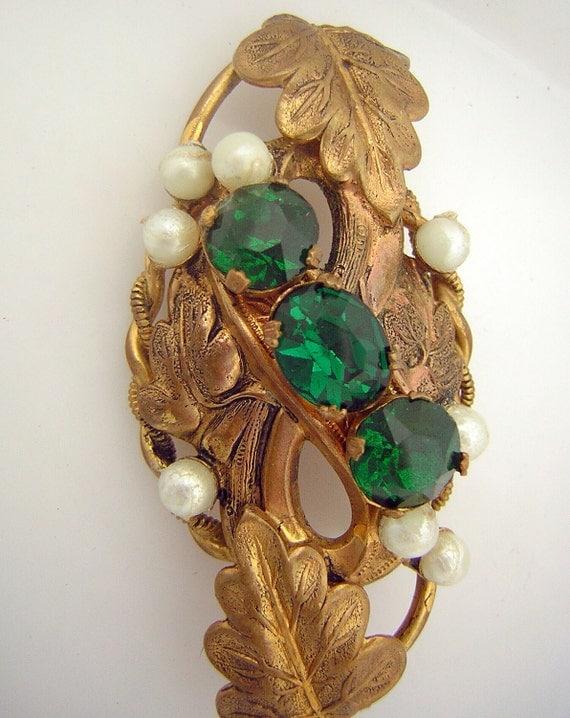 Vintage 30s Brooch - Emerald Rhinestones Faux Pearls - Elegant Texture & Leaves