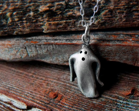 Ghost necklace in fine silver