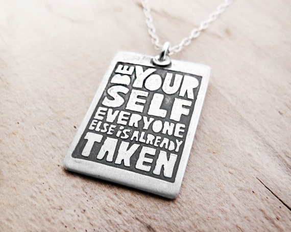 Motivational quote necklace - silver - Be Yourself