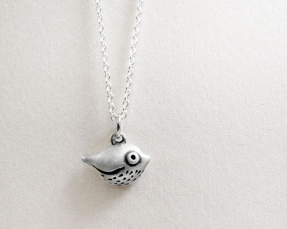 Very tiny bird necklace - silver