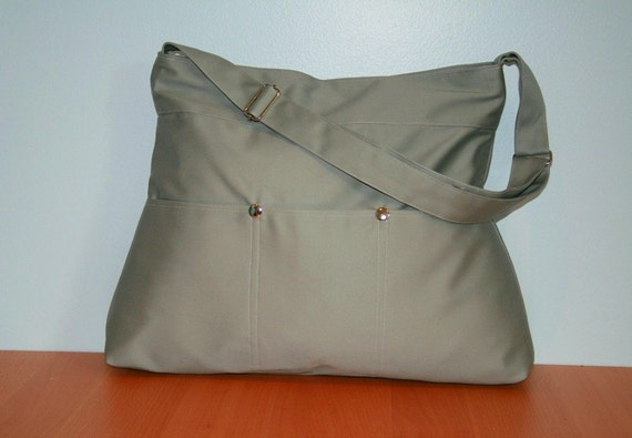 Large Market Bag in Sage Green with zipper and adjustable strap