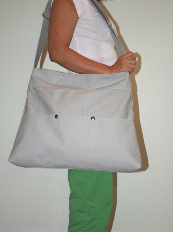 Large Market Bag in light Gray with zipper and adjustable strap