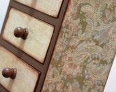 SALE Pale Paisley vintage look small trinket box