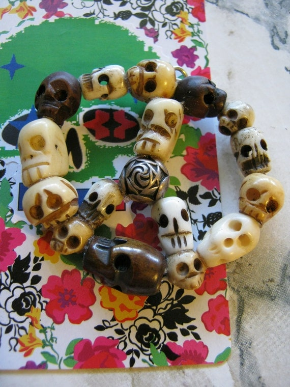 Skulls Peace Sign Pendant