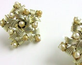 Earrings Stars Coro Woven Pearl and Goldtone Clip On Vintage Jewelry