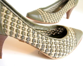 Vintage 1980's Olive Green Woven Italian Spectator Pumps, Size 6.5AA
