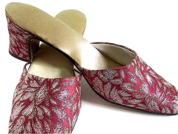 Red Shoes Soft Red and Gold Brocade Vintage Coral Mules Size 8