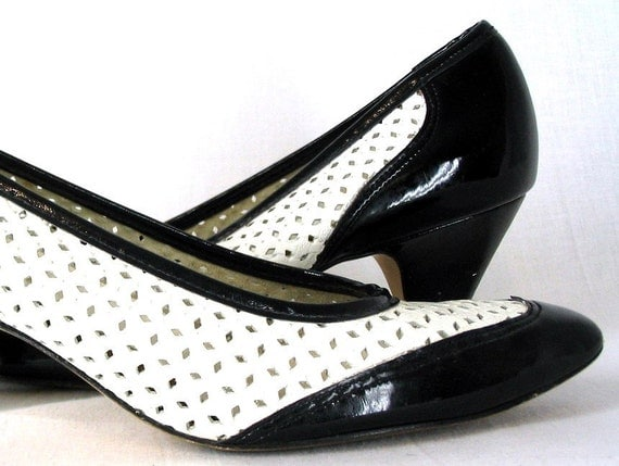 shoes black and white vintage spectator pumps size 7 by