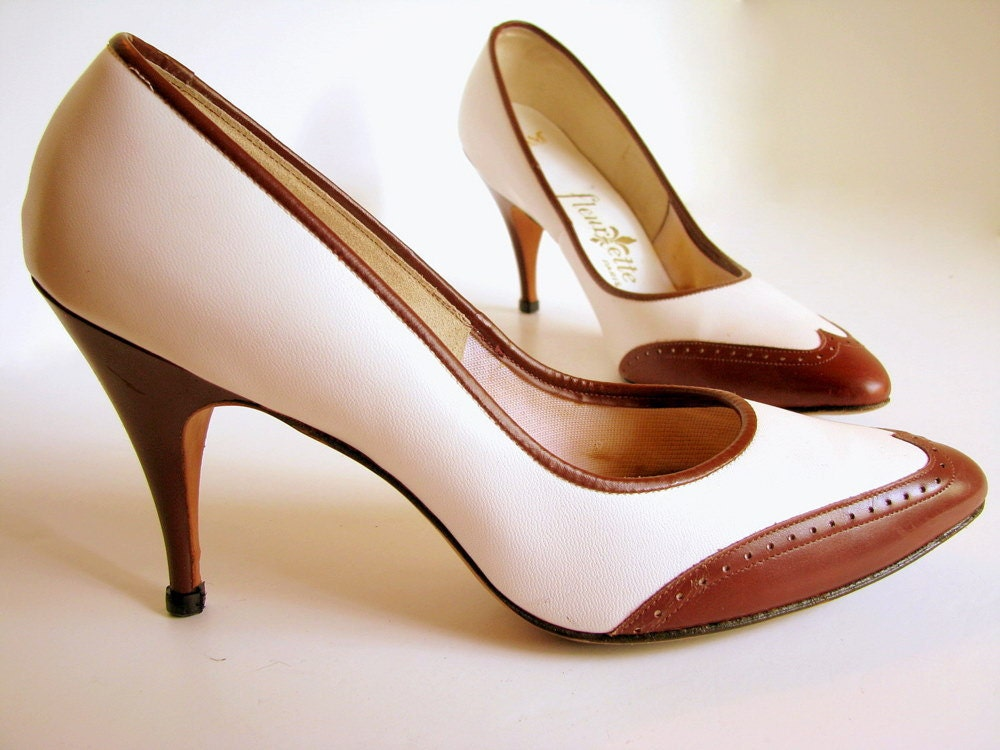 1960s spectator pumps brown and vintage high heel shoes