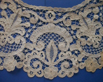 SALE Antique Handmade English Honiton Bobbin Lace Collar 709
