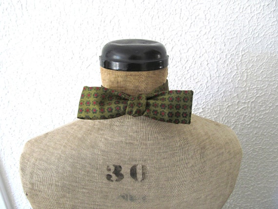 Stylish Vintage Bow Tie