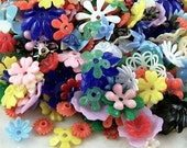 Grab-bag of 25 Vintage Plastic Flower Parts