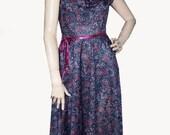 WALK IN THE PARK ....Vintage 60s Black Rose Floral Fem Dress - S\/M