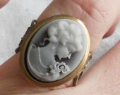 oSO BLUE JEANS Oso blue cameo brass ring
